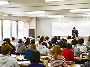 "国家試験対策講座の様子"""